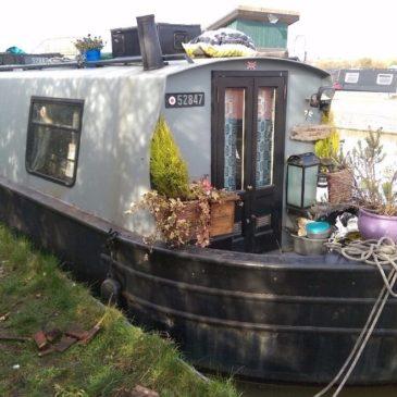 Bearlet's Billet – 25ft. Cruiser Stern Narrowboat for sale.